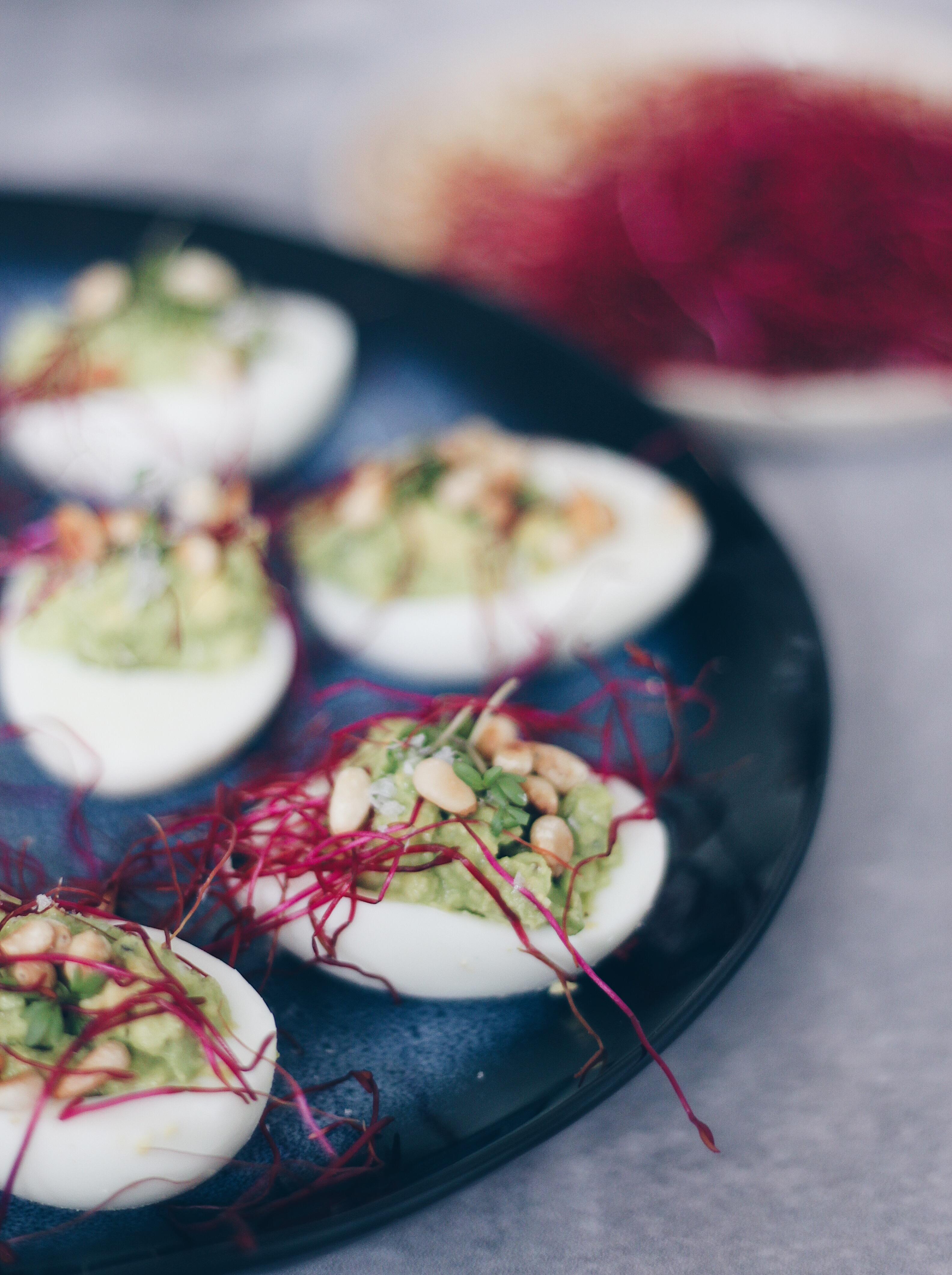 Æg med avocadofyld