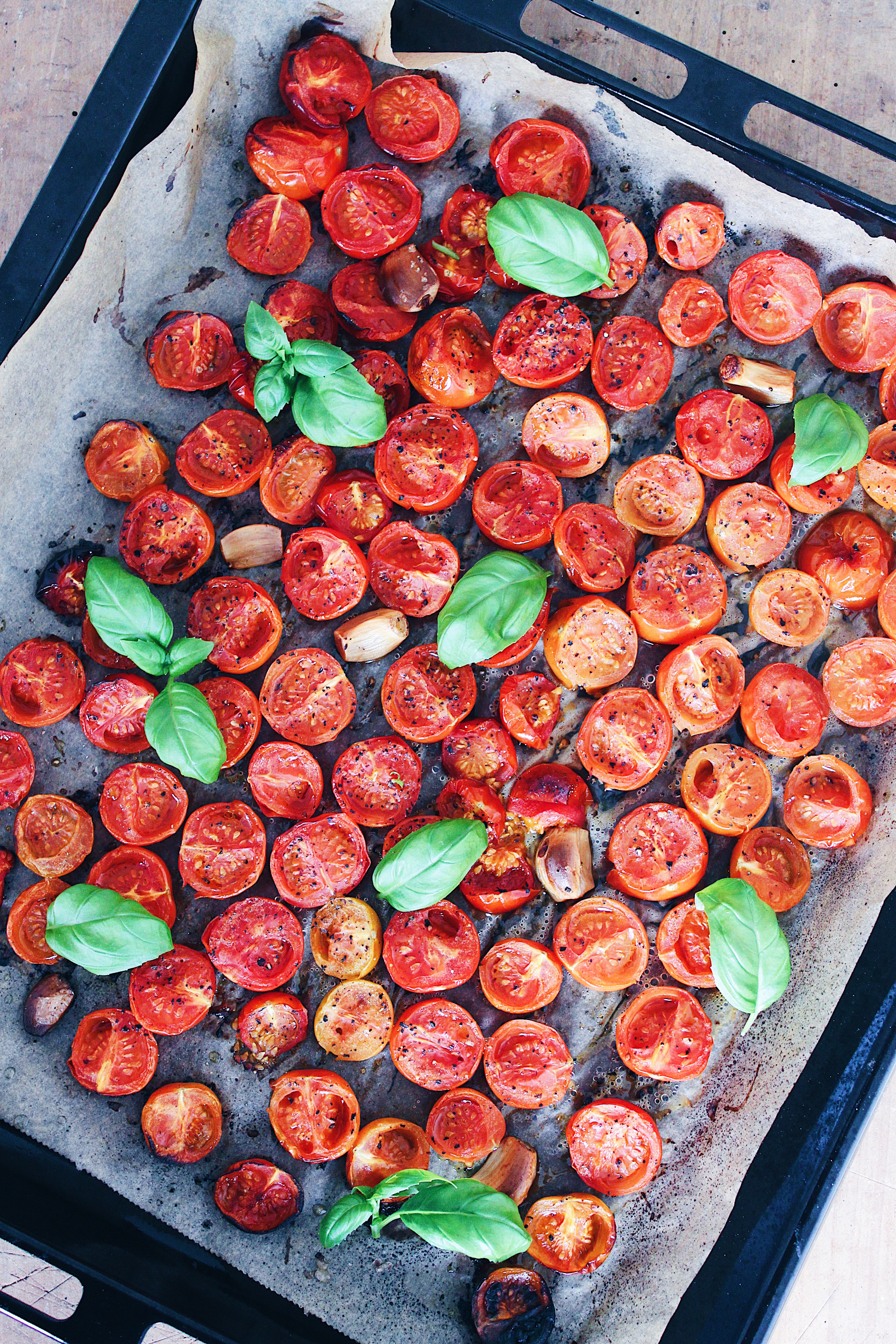 Tomatsuppe med ovnbagte tomater