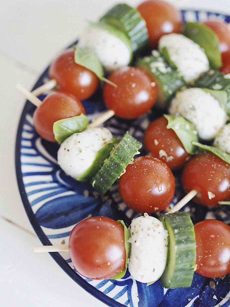Sticks med tomatsalat