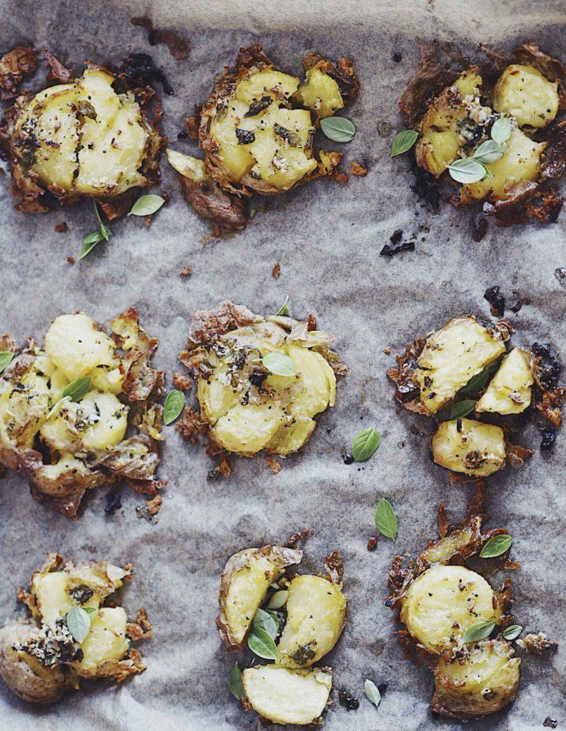 Knuste kartofler med hvidløg