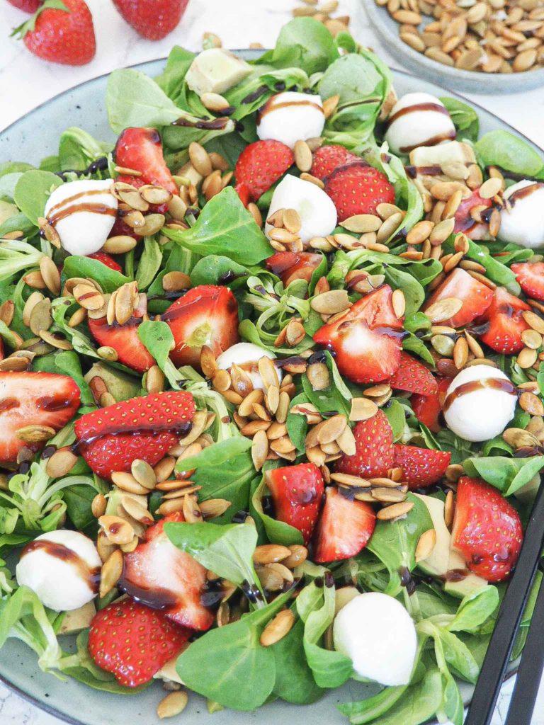 jordbærsalat med mozzarella