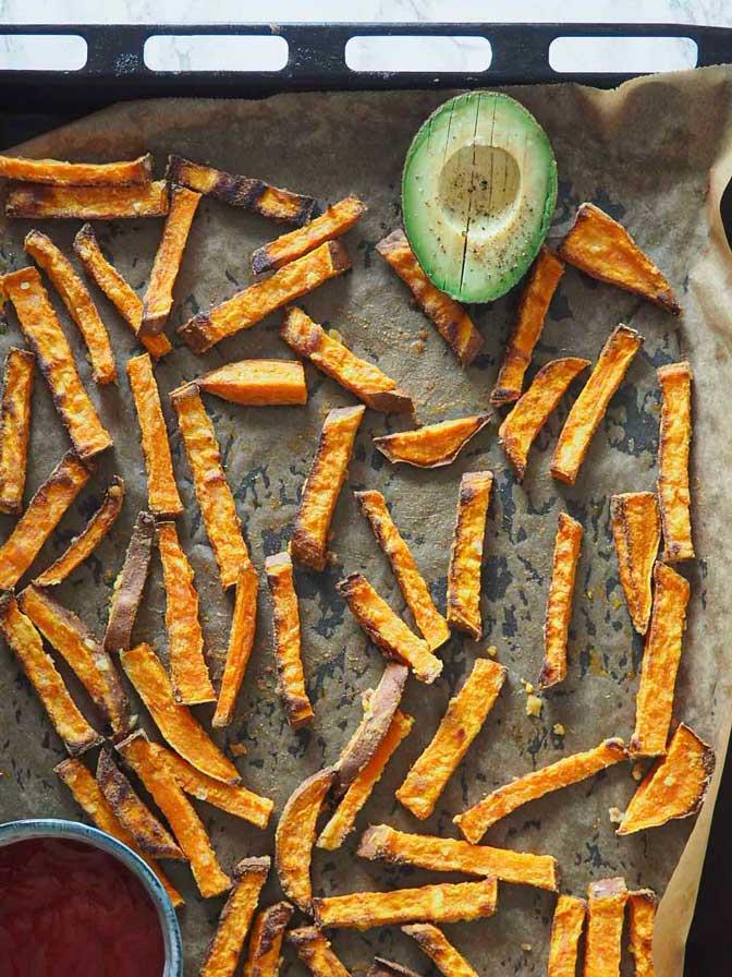 Sprøde pomfritter af søde kartofler