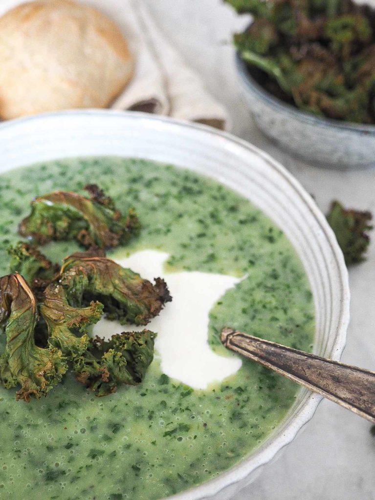 Grønkålssuppe med timian