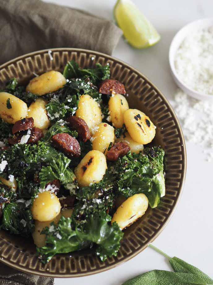 Gnocchi med chorizo og grønkål