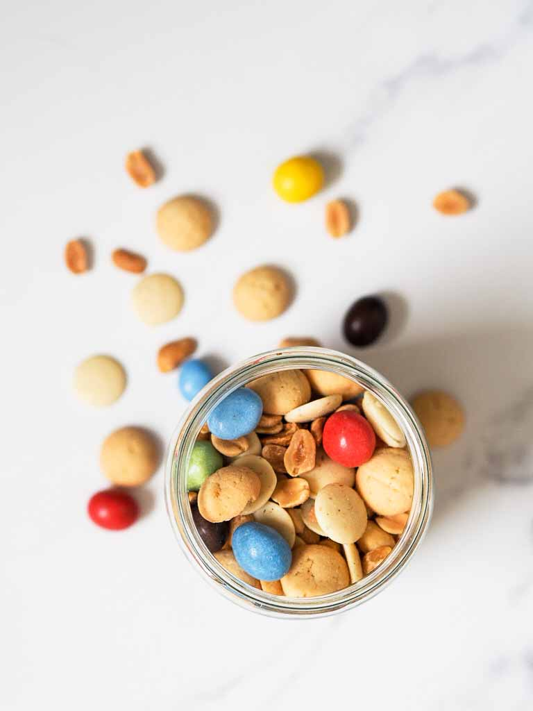 Børnevenlig snack mix med peanuts