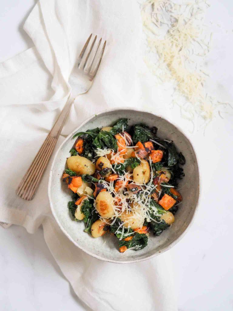 Stegt gnocchi med søde kartofler og vesterhavsost