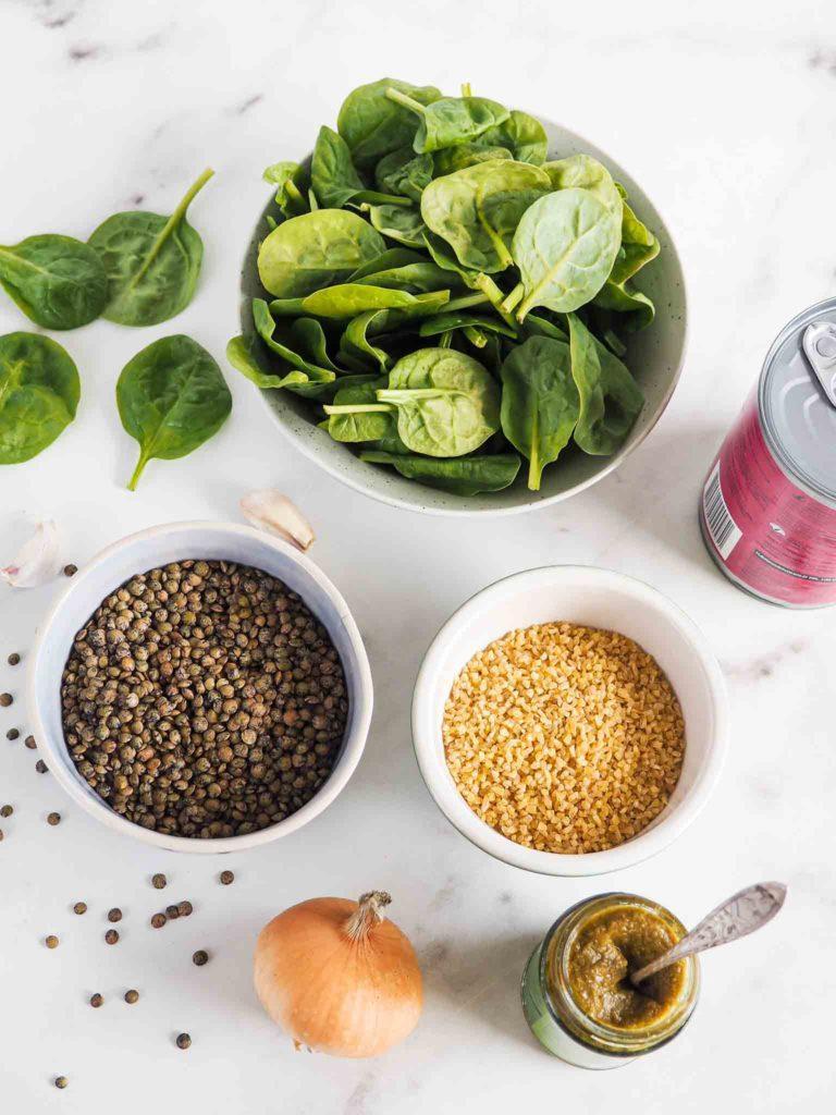 Vegetarisk linseret med grønne linser ingredienser